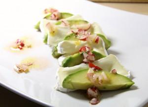 avocado_weichkaese_radieschen-vinaigrette